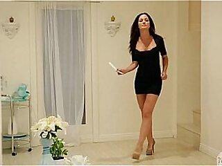 Lick my best friend's mommy's pussy! - Angela Sommers, Kristen Scott
