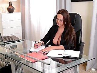 Big Titty Boss lady Emma Butt showing Expert Blowjob Skills