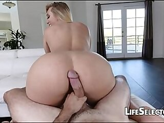 Blonde tenis player sucking and fucking