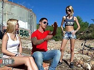 2 atomic blonde sluts outdoor fucking