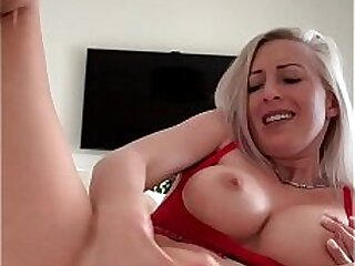 Naughty Insta babe fingers her pussy and has a heavy orgasm