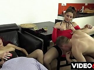 Free porn movies - Best friend convinces a mature divorcee to enjoy group sex with horny guys