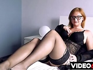 Free Sex Videos - Let's get to the point - Holly performs